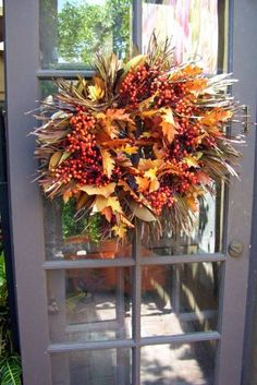 Fall Outdoor Decorating Ideas | Fall Front Porch Decorating Ideas - Pictures of Fall Yard Decor - Fall ...