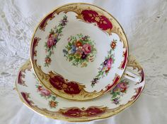 Grosvenor Bone China Teacup and Saucer Red & Gold on White Chocolate Cups, Tea Sets, Vintage Glassware, Spoons, Tea Cup, Red Gold, Bone China, Cup And Saucer, Tea Time