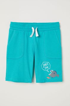 Shorts in cotton jersey with an elasticized drawstring waistband and side pockets. Jersey Shorts, Boy Shorts, Toddler Fashion, Kids Fashion, Latest T Shirt, H&m Online, New Kids, Tee Design, Baby Clothes Shops