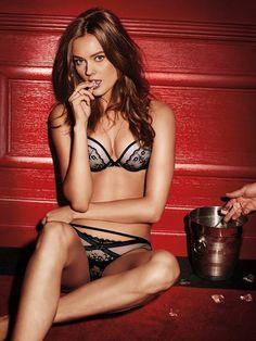 Lingerie Shoot, Advertising Campaign, Runway Models, Luxury Branding, Supermodels, Fashion News, Bikinis, Swimwear, Pop Culture