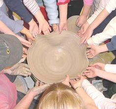 link to a great site , with clay projects, tutorials, and an article about importance of clay in child development. great site to peruse and revisit.