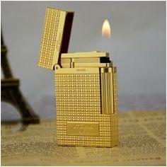 Bật lửa S.T.Dupont màu vàng kẻ caro khắc chữ S.T.Dupont - Mã SP: BLD 037