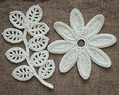Irish Crochet Lab is a detailed online course of how to make Irish Crochet Lace. Crochet Vintage, Love Crochet, Crochet Gifts, Learn To Crochet, Beautiful Crochet, Irish Crochet Patterns, Granny Square Crochet Pattern, Crochet Blocks, Doily Patterns