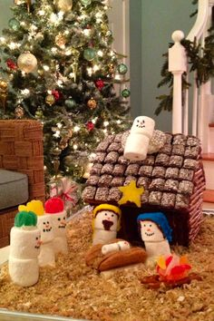marshmallow snowmen and angel fruit roll up head dress Gingerbread House Parties, Christmas Gingerbread House, Christmas Nativity, Christmas Crafts For Kids, Christmas Activities, Christmas Love, Homemade Christmas, Winter Christmas, Christmas Projects