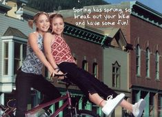 Ashley Mary Kate Olsen, Ashley Olsen, Olsen Twins Style, Michelle Tanner, S Icon, Spring Has Sprung, Full House, Actresses, People