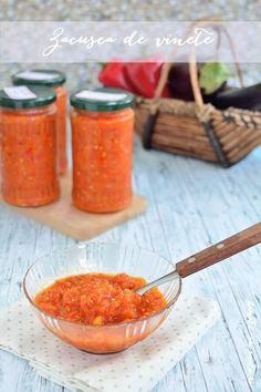 Zacuscă de vinete, reţeta clasică | Bucate Aromate Cantaloupe, Salsa, Mexican, Cooking, Ethnic Recipes, Food, Canning, Eggplants, Breien