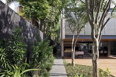 Bacopari House   UNA Arquitetos #exterior #courtyard