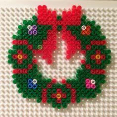 Xmas wreath Christmas deco weihnachten Kranz perler beads Bügelperlen