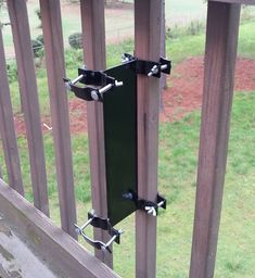 Amazon.com : Universal Pole Mount - Clamp-on Deck Rail or Fence : Patio, Lawn & Garden