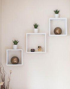 Wall Shelf Decor, Wall Shelves Design, Diy Wall Decor, Wall Shelving, Unique Wall Shelves, Decorations For Home, Ikea Wall Shelves, Corner Shelf Design, Decorative Shelves