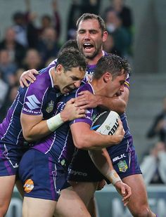 Billy Slater and Cooper Cronk Photos Photos: NRL Rd 26 - Storm v Broncos Rugby League, Rugby Players, Brisbane Broncos, Cameron Smith, Rugby Club, Australian Football, Hugs, Beefy Men, It's Going Down