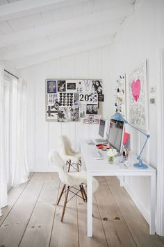 Make White Walls Work For You With all the papers and sticky notes and pens and granola bar wrappers, offices are cluttered spaces. When you paint your walls white, even if you can't see the top of your desk, the room suddenly holds less for the eye to take in. (via Domino)