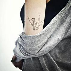 Tatuagem delicada feminina 74