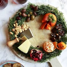 Slate Cheese Board, Cheese Platter Board, Cheese Plates, Cheese Boards, Tzatziki, Holiday Appetizers, Holiday Recipes, Cheese Gifts, Parchment Paper Baking