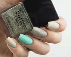 ZigiZtyle: Silvery turquoise stamped nails