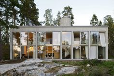 Six Walls Weekend House, Arrhov Frick Arkitektkontor AB Weekend House, Forest House, Love Home, Brutalist, Exterior Design, Home Remodeling, Architecture Design, House Ideas, House Styles