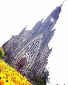 Catedral de Pedra - Canela - RS #amoviajar #brasil #brazil #canela #familytrip #igreja #catedraldepedra #rs #riograndedosul #trip #travel #flowers #flower #viajarépreciso #viajenaviagem #traveladdict by simonegantois