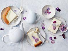 Pääsiäisen pullat ja piirakat | Valio Baking Recipes, Dessert Recipes, Desserts, 20 Min, Sugar Bowl, Bowl Set, Tea Cups, Cookies, Tableware
