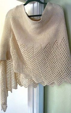 Lace Cotton Ponchette This knit pattern / tutorial is available for free... Full post: Lace Cotton Ponchette