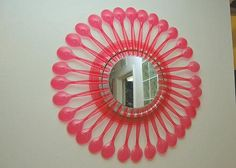 Flowery spoon mirror at craftster if i think it 39 s a for Plastic spoon flower mirror