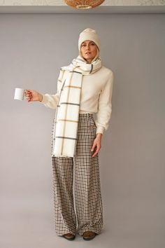 Pantalon large et écharpe a carreaux / Mode nordique & tendance hygge / blog mode DIY Artlex Diy Mode, Pantalon Large, Hygge, My Outfit, Fur Coat, Jackets, Outfits, Fashion, Plaid Scarf