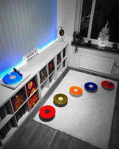 Ending this day with #sepultura #vinylgram #maxcavalera #igorcavalera #blackvinyl #vinyl #nowplaying #recordcollection #recordcollector #recordcollecting #records #recordstore #vinylrecords #vinylcollection #vinylcollectionpost #recordroom #vinylroom #nowspinning #nowplaying #mancave #vinylplaylist #vinylplayingnow #vinylcommunity #vinylporn