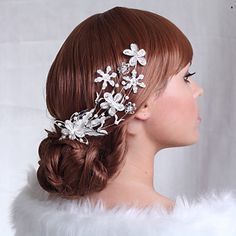 Luxurious Alloy Hair Combs with Rhinestone for Wedding/Special Occasion Headpieces – USD $ 14.99