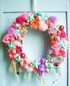 silly old suitcase blog: Christmas wreaths in candy colours...