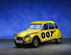 """Citroën 2CV """"For Your Eyes Only"""""""