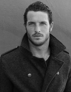 Justice Joslin (December 30, 1987) USA American football player, actor and model.