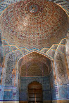 One of the corridors in Shahjehan Mosque bulit by Mughal King. Persian Architecture, Mughal Architecture, Beautiful Architecture, Art And Architecture, Islamic World, Islamic Art, Pakistani Culture, Beautiful Mosques, Mughal Empire