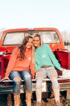 Cute Country Girl, Looks Country, Country Girl Life, Country Style Outfits, Western Outfits, Country Best Friends, Best Friends Shoot, Best Friend Poses, Cute Friends