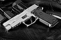 Sig Saue Pistols: Sig Sauer Model P220 ST .45 ACP Pistol : Guns