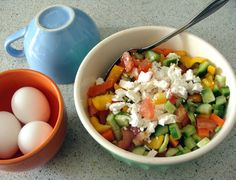 Tomato, Cucumbers,Red & Yellow Peppers, Carrots, Fesh Parsely (optional) Salty White Cheese such as; Feta or Bulgarian Cheese(optional as well), Fresh lemon juice, Olive Oil, Salt & Pepper.