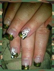 Browning Manicure, don't paint my nails but this is awesome Love Nails, How To Do Nails, Pretty Nails, Fancy Nails, Manicure E Pedicure, Mani Pedi, Pedicures, Camo Nails, Deer Nails