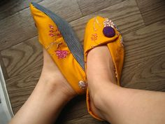 old jeans slippers Chinese style