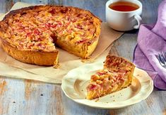 To celebrate Scottish Food and Drink Fortnight (and the return of the Great British Bake Off try baking these traditional Scottish recipes from our… Rhubarb Juice, Rhubarb And Custard, Scottish Recipes, Shortbread Recipes, Victoria Sponge, How To Make Jam, Great British Bake Off, Porridge Oats, Whipped Topping