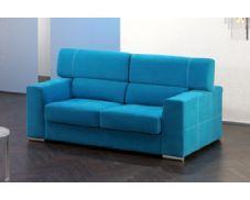 Le ofrecemos este magnífico sofá de 3 plazas tapizado en tela color azul y decorado con unos bonitos pespuntes en hilo blanco. Las cabeceras son reclinables para que tenga un descanso perfecto. Comodidad y modernidad unidas en este sofá.