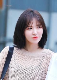 𝘳𝘦𝘥 𝘷𝘦𝘭𝘷𝘦𝘵 on Seulgi, Kpop Girl Groups, Kpop Girls, Hair Style Korea, Kpop Short Hair, My Girl, Cool Girl, Wendy Red Velvet, Korean Girl
