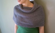 Isla Wrap 1 by Jessica Vinson - Free capelet pattern on Ravelry ( posted by Katie (she is belovedknits at Etsy) on http://belovedknits.wordpress.com