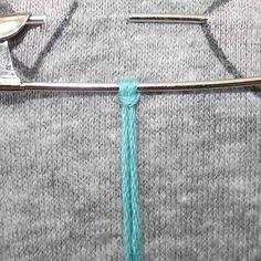 Safety pin brooch friendship bracelet tutorial added by Adik. Friendship Bracelets Tutorial, Friendship Bracelet Patterns, Bracelet Tutorial, Safety Pin Crafts, Elephant Bracelet, Brooch Pin, Tassels, Arrow Necklace, Band