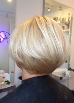 Bobs For Thin Hair, Short Hair With Layers, Short Hair Cuts For Women, Short Hair Styles, Bob Hairstyles For Fine Hair, Short Bob Haircuts, Cool Hairstyles, Wedge Hairstyles, Fall Hair Cuts