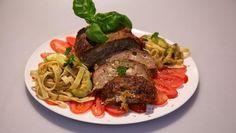 Polpettone al forno alla Gio (Gehakt uit de oven alla Gio) - recept Pasta, Meatloaf, Food, Balls, Xmas, Drink, Pistachio, Seeds, Christmas