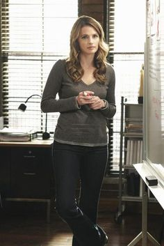 """Kate Beckett in Castle Season 4, Episode 17: """"Once Upon a Crime"""""""