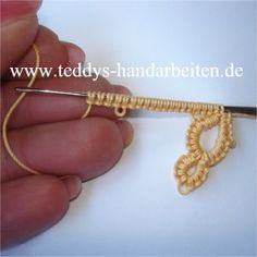 This is my favorite way to do tatting - with a needle, not a shuttle - try it!!   For instructions, copy and paste web address into google translate from German