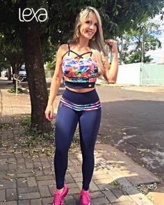 Cropped Renda Estampado LAV na Lexafitwear. www.lexafitwear.com.br Lexa Fitwear é a linha fitness que garante a você extremo conforto na hora dos treinos, além de possuir um diferencial que vai te colocar em destaque ao entrar na academia: sensualidade na medida certa. Acredite, Lexa Fitwear vai valorizar ainda mais a sua beleza e seus treinos serão ainda mais motivados com a nossa linha de roupas. Use e comprove, você #lindadelexa! Lycra Leggings, Sports Leggings, Workout Leggings, Sport Fashion, Fitness Fashion, Cute Outfits With Leggings, Estilo Fitness, Best Tank Tops, Athletic Wear