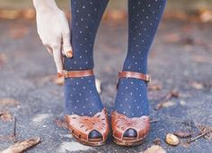 Can I Wear Tights with Open-Toed Shoes? Fashion Shoes, Fashion Outfits, High Fashion, Womens Fashion, Street Fashion, Zooey Deschanel, Just Keep Walking, Retro Mode, Open Toe Shoes