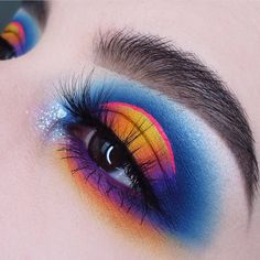 Beautiful eye look by _______________________________________ Spread love & be inspired, join the 💖 Negative &… Makeup Goals, Makeup Inspo, Makeup Art, Makeup Inspiration, Beauty Makeup, Summer Eyeshadow, Colorful Eyeshadow, Colorful Makeup, Eyeshadow Makeup