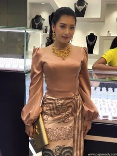 Yu Thandar Tin Fashion At Jewelry Store Opening Myanmar Traditional Dress, Thai Traditional Dress, Traditional Fashion, Traditional Outfits, African Fashion Dresses, African Dress, Fashion Wear, Fashion Outfits, Traditional Dresses Designs