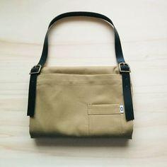 Sand and leather apron.  #apron #handmade #kitchenwear #workwear #delantales #mandiles